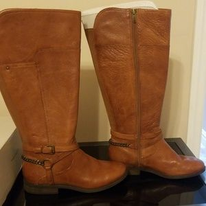 Brown leather marc Fisher boot